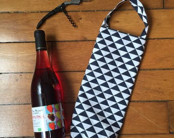 Scandinavian pattern quilted bottle bag