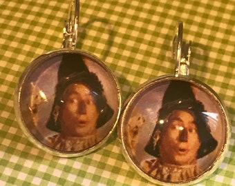 Wizard of Oz ScareCrown cabochon earrings- 16mm