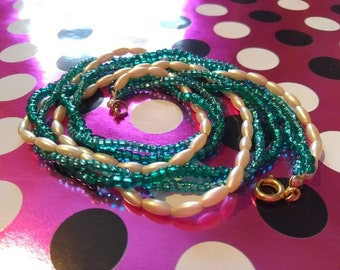 Seed Bead Twisted Necklace Vintage Green and White 1950's 1960's