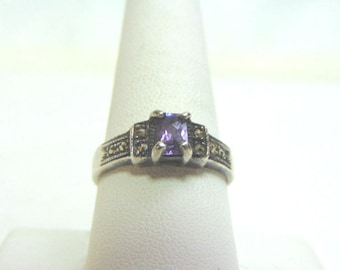 Womens Sterling Silver .925 Ring w/ Amethyst Colored Stone 4.3g #E3679