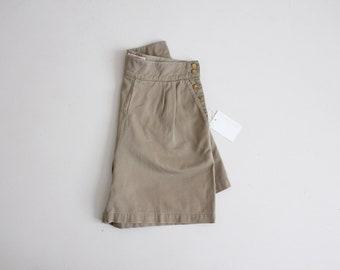 side button shorts | high waist shorts | army green shorts