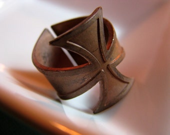 Vintage brass iron cross ring