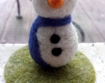 Needle Felted Snowman - Snowy the Snowman - Plush Felted Toy Waldorf Christmas Winter Decoration - Wool Felt Snowmen for the Holidays