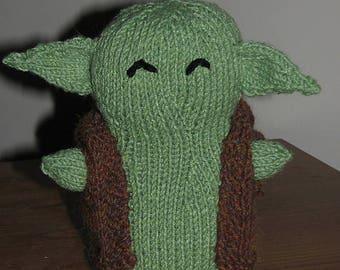 Yoda, knitted Yoda, amigurumi yoda, Jedi master stuffed toy, action figure catnip toy