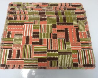 Placemats Mid Century Modern Barkcloth Green Brown Coral Fringed 1950s Set of 4