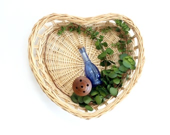 Heart Shaped Wicker Basket Tray, Valentine's Day Gift