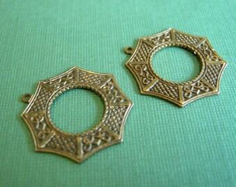 vintaj brass asian window, vintaj brass pendant, brass aisan window, 26 x 25 mm two pieces