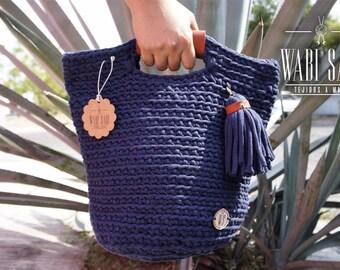 Hand bag. I'm in. Hand knitted T shirt yarn knitting hand madebolso fashion woman