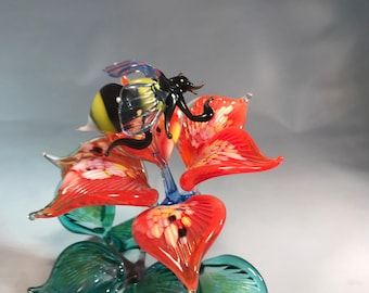 Glass composition bumblebee on flower