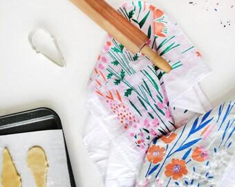 Daffodil Floral Tea Towel - Pink / Gray