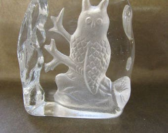 Etched glass owl paperweight