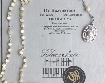 Pearl/Silver rosary necklace with Rose Medallion