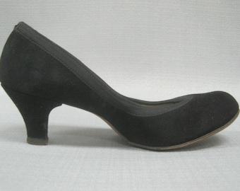 "Vintage 50s Black SUEDE PUMPS 2/25"" Heels Swing Dance Pin-Up Style by KERRYBROOKE  Size 5.5-6B"