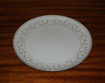 Mikasa Strathmore 12 inch round chop platter