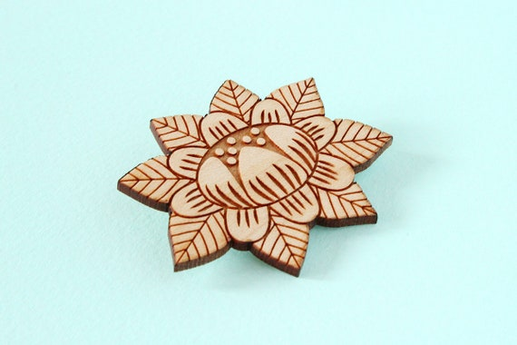 Wooden flower brooch - lasercut wood pin - stylized floral pin - vegetal jewelry - folk jewellery - wood accessory