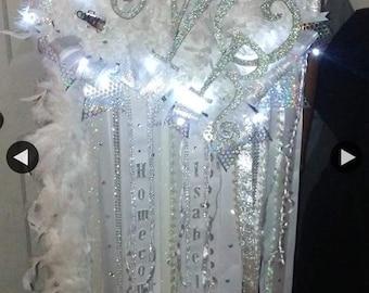 senior texas shaped mum with lights