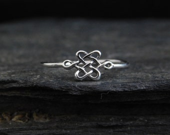 Celtic Knot ring, sterling silver 0.925, lovers knot, endless knot, love ring, friendship ring, engagement ring, made at your size