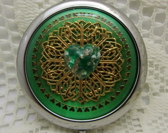 Compact Mirror Green Heart Comes With Protective Pouch