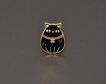Black cat pin, black cat enamel pin, black fortune cat pin, cute cat lover gift, cat lapel pin