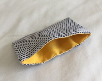Black and white card pouch (Yellow Lining)