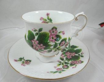 1960s Vintage Elizabethan English Bone China Teacup English Teacup and Saucer Outstanding English Tea cup