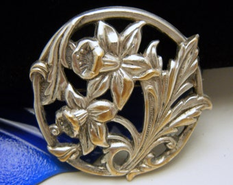 Vintage Repousse Daffodil Flower Brooch Nouveau Era C Clasp Silver Washed Brass