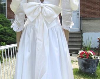 vintage  superbe retro white wedding dress bridesmaid dress/très jolie robe de demoiselle d'honneur de style rétro  bust  34