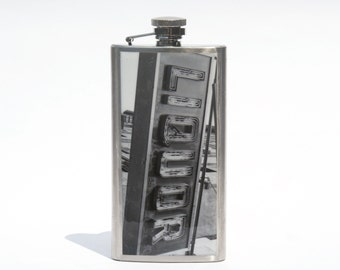 HIP FLASK - Liquor Flask - 5oz