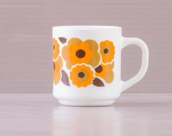 Arcopal Coffee Mug | Arcopal Lotus Design | Arcopal Coffee Mug | Vintage LOTUS Arcopal  | French 70s mug | Milk Glass Orange Flowers