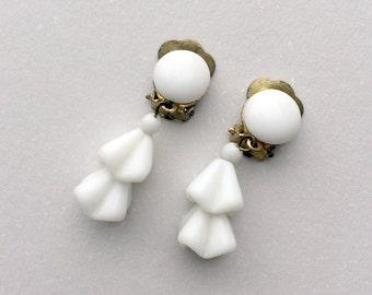 Vintage Clip On Earrings White Milk Glass Beaded Dangle Gold Tone 1940's Retro Vintage Jewelry Clip-on Earrings