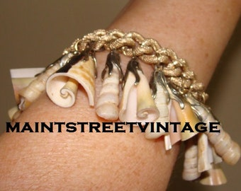 Trumpet Shells Dangle Bracelet 1950s Vintage Germany