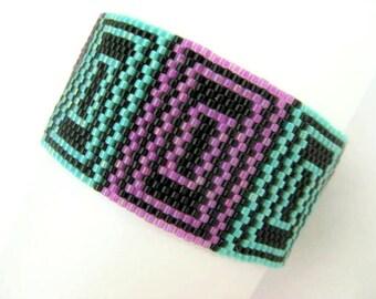 Peyote Bracelet / Beaded bracelet in Turquoise, Lilac and Black / Seed Bead Bracelet / Geometric Bracelet / Beadwoven Bracelet