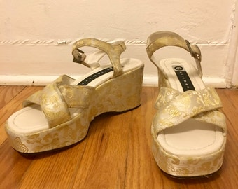Size 7 White and Gold Satin Printed Strappy Platform Sandals