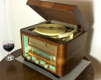 Record player w/Bluetooth 33, 45 & 78 rpm speaker system 1954 Despaux model MR with FM radio and Aux input
