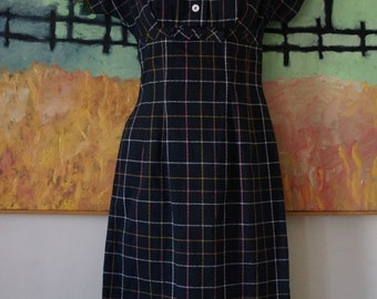 Vintage 1950s JONATHAN LOGAN Dress / Plaid Dress Wiggle Dress / Empire Waist Peter Pan Collar / Mid Century New Look Rockabilly / XS/S