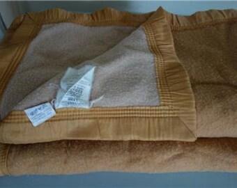 Vintage PURE WOOL BLANKET Woolmark 2-Tone France Satin Binding Beige Camel Q / K Queen or King