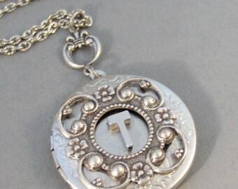 Antique Monogram,Locket,Silver Locket,Monogram,Personalize,Mom Necklace,Antique Locket,Monogram Necklace,Initial,Locket, valleygirldesigns.