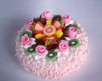 Miniature Cake 1:12 - Series 1 - 023