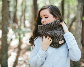 Chunky Knit Infinity Scarf Textured Cowl // The GRIZZLY