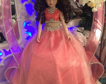 Last doll maching the dress in gift set
