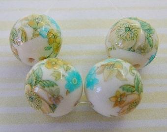 Vintage .. Beads, Flower, 4 Round 14mm, Japanese