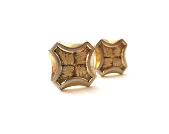 Pair of Diamond Shaped Hickock USA Signed Gold Tone Metal Brushed Alternating Textured Cufflinks