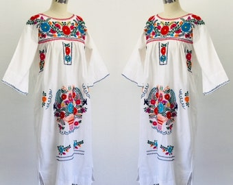 Vintage 1970's Oaxaca Mexican Dress Cotton Embroideried Dress l S