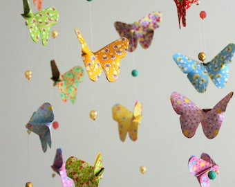 Mobile bébé origami Nuée de Papillons Liberty