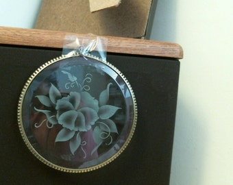 Eteched FLOWER on Circle Bevel suncatcher or ornament