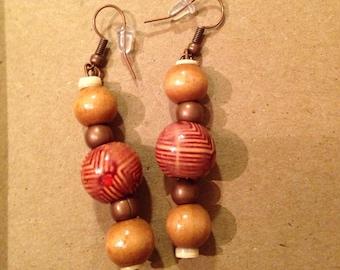 Medium brown beads ear rings