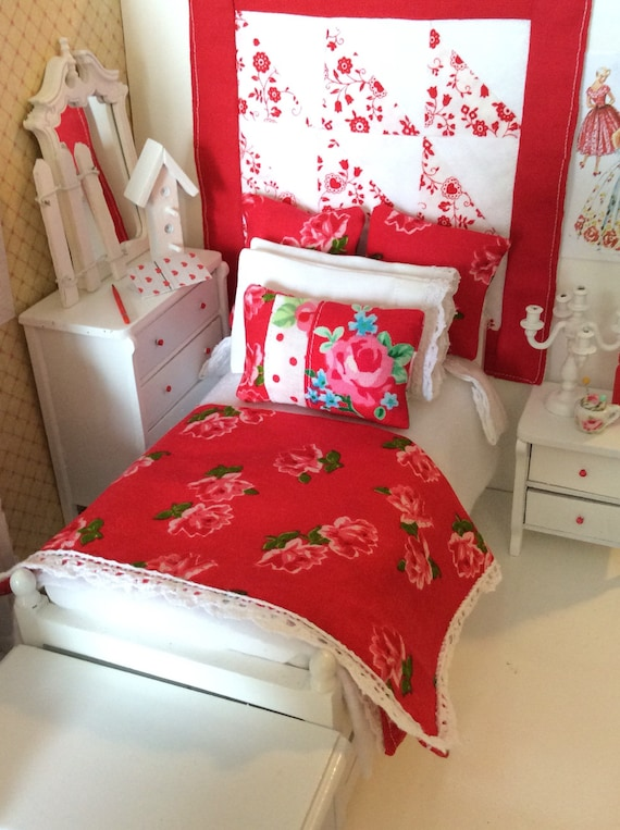 Miniature Cottage Red Rose Comforter Trundle Bed and Bedding Set