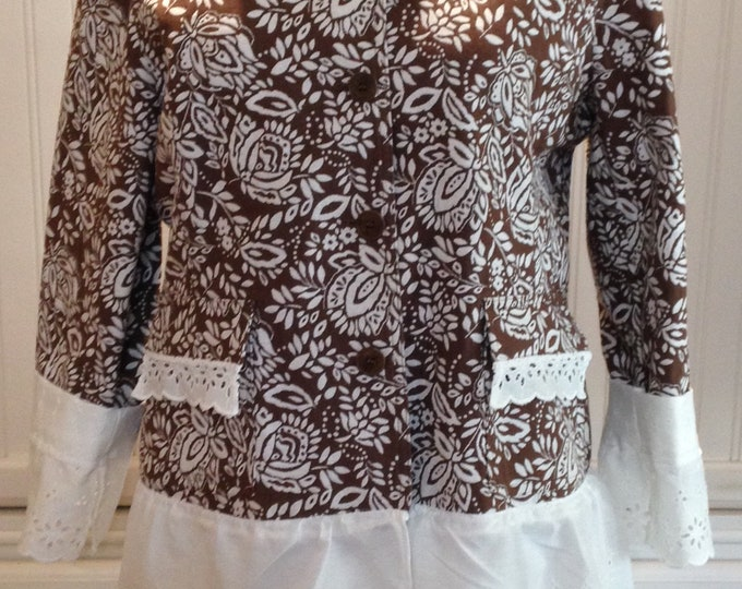 Women upcycled light brown white cotton long sleeve jacket eyelet lace trimmed pockets upcycle eyelet trimmed sleeves langenlook jacket