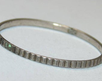 Sale R1390+ Vintage Estate Sterling Silver Slim Thin Etched Texture Tiny Band Ring US Size 7.5 925 Jewelry Jewellery UK Size P Gift For Her