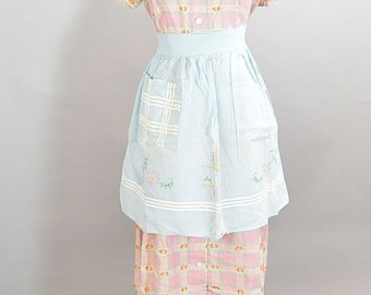 Baby Blue 50s Apron// Vintage Apron// Housewife Apron 1950s Hand Embroidered (F1)